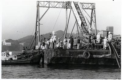 神島簡易水道海底送水管敷設工事始まる