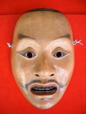 賀多神社の能面と能衣装4