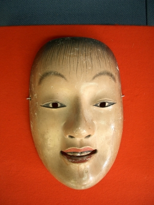 賀多神社の能面と能衣装6
